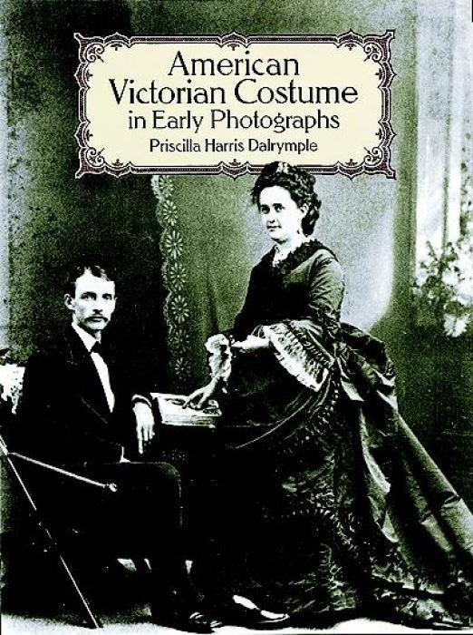 American Victorian Costume in Early Photographs als Taschenbuch