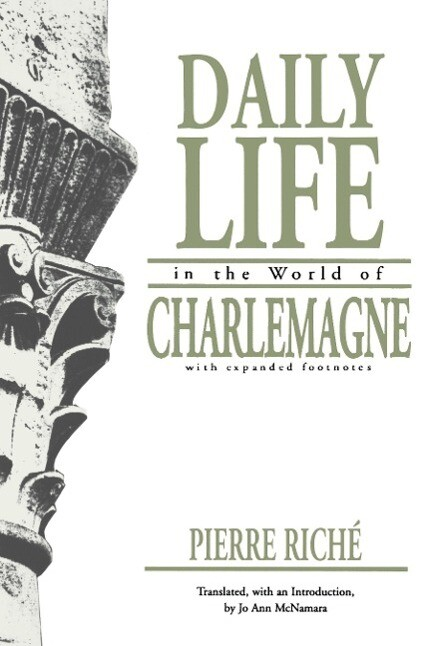 Daily Life in the World of Charlemagne als Taschenbuch