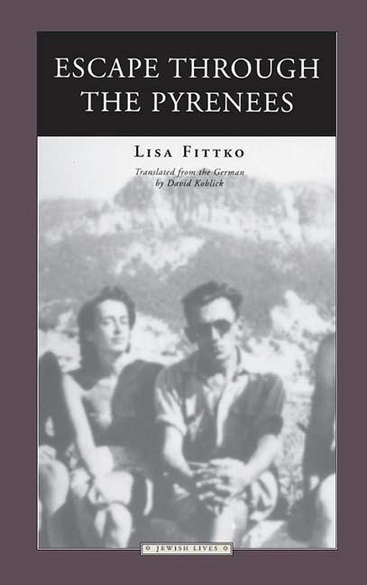 Escape Through the Pyrenees als Taschenbuch