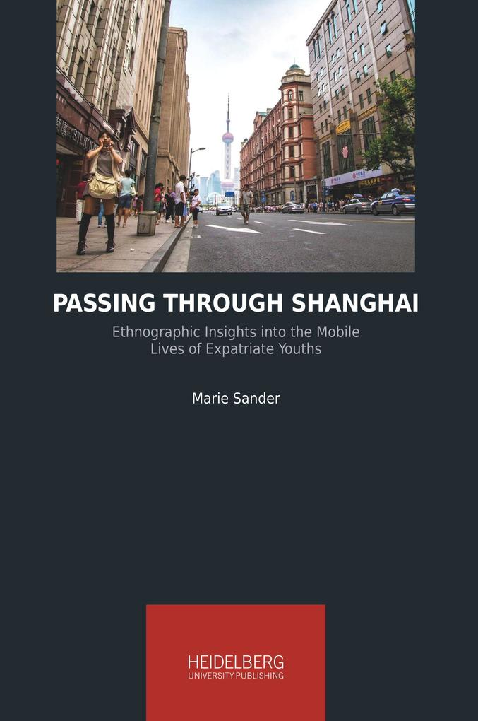Passing Through Shanghai als Buch