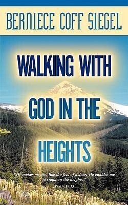Walking with God in the Heights als Taschenbuch