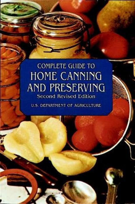 Complete Guide to Home Canning and Preserving als Taschenbuch
