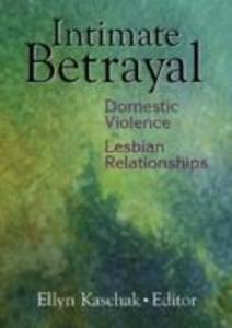 Intimate Betrayal als Taschenbuch