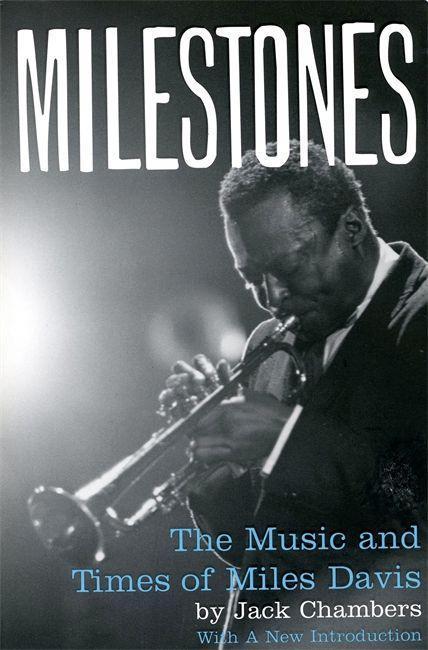 Milestones: The Music and Times of Miles Davis als Taschenbuch