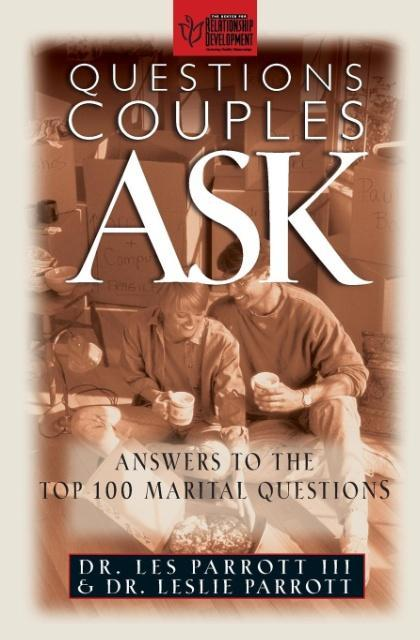 Questions Couples Ask als Taschenbuch