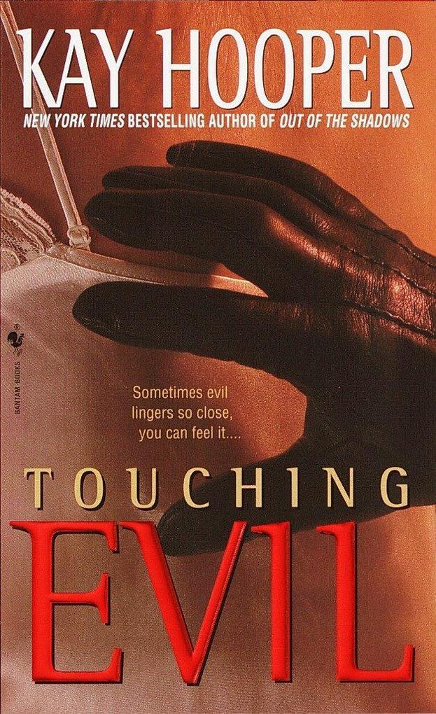 Touching Evil: A Bishop/Special Crimes Unit Novel als Taschenbuch