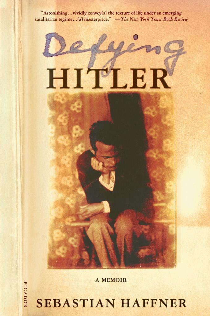 Defying Hitler: A Memoir als Taschenbuch