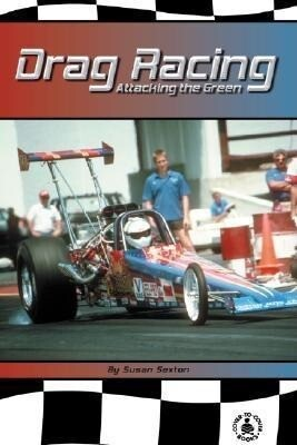 Drag Racing: Attacking the Green! als Buch